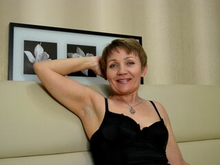 LadyLada online anal